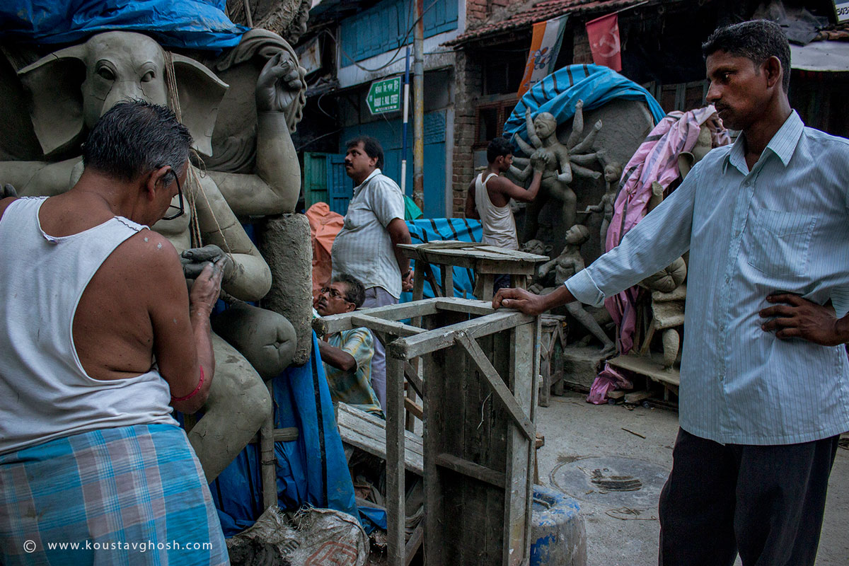 People busy in making idols Image
