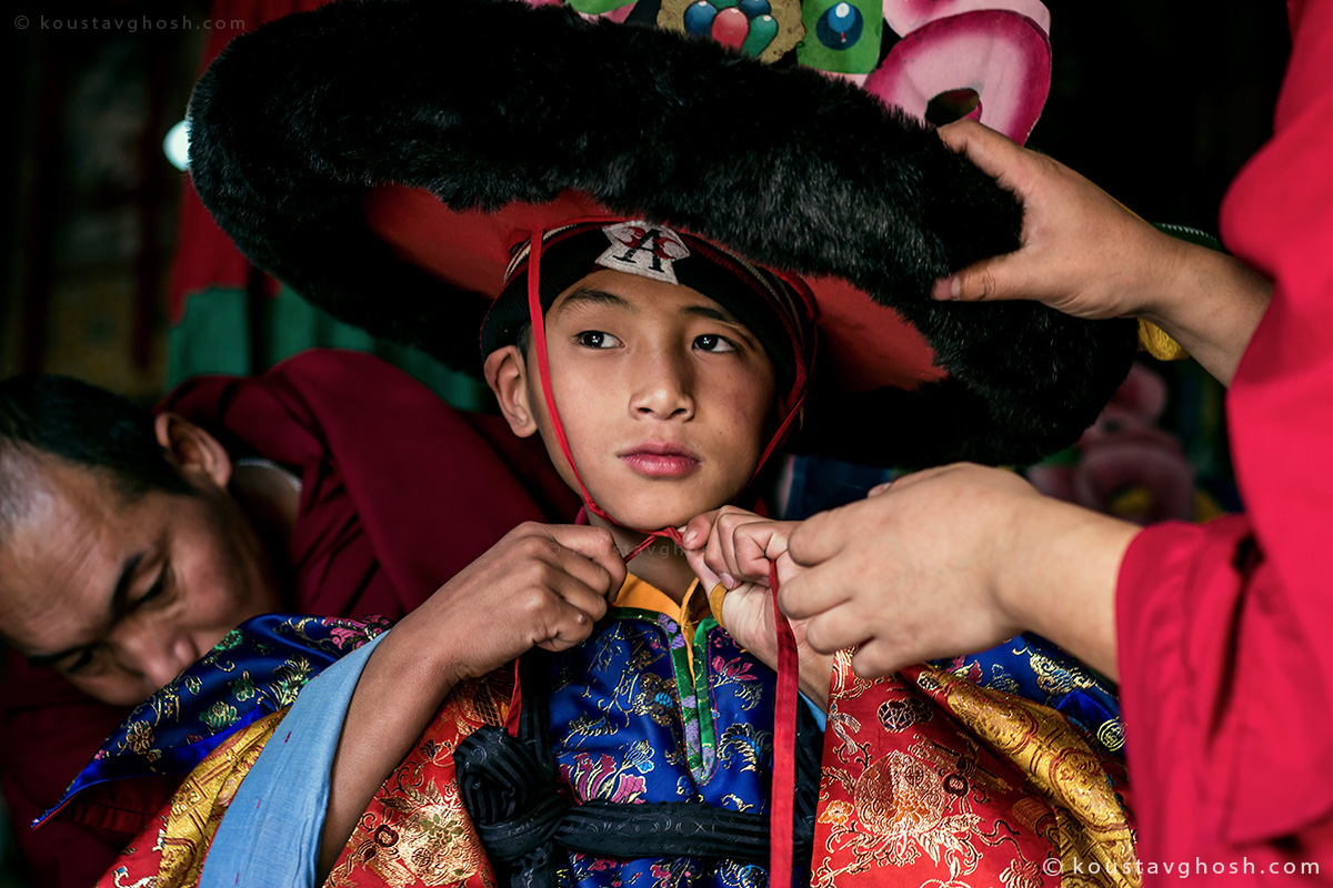 A monk was getting ready to perform in Kagyed festival in old Ralang Monastery